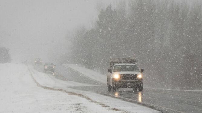Trudny dzień dla kierowców - drogi będą bardzo śliskie